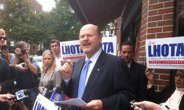 Republican mayoral candidate Joe Lhota addresses the media in Jackson Heights, Queens, to discuss his jobs plan on Sept. 27, 2013. (Kristen Meriwether/Epoch Times)