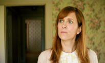 TIFF Review: 'Hateship Loveship' Sees Kristen Wiig All Tied Up