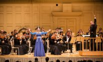 Shen Yun Symphony Orchestra 'Transported Me to Another Realm' Says Chinese Tourist