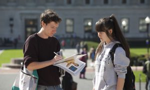 Columbia Students Sign to Stop Organ Harvesting in China