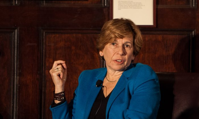 Randi Weingarten, president of American Federation of Teachers, discusses education issues during the Teaching Matters annual luncheon at the Harvard Club, New York City, Oct. 23, 2013. (Petr Svab/Epoch Times)
