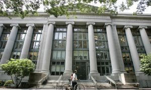 Harvard Law School Cancels Coat-of-Arms Over Slavery