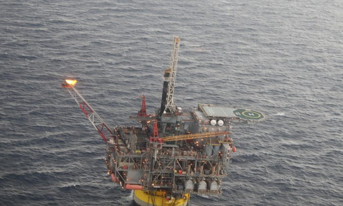 A oil platform in the Gulf of Mexico in this file photo. (AP Photo/Jon Fahey)