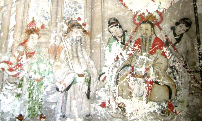 A stately Buddhist fresco from the Qing Dynasty, located at a temple on Phoenix Mountain, Liaoning Province, was in need of restoration. (STR/AFP/Getty Images)