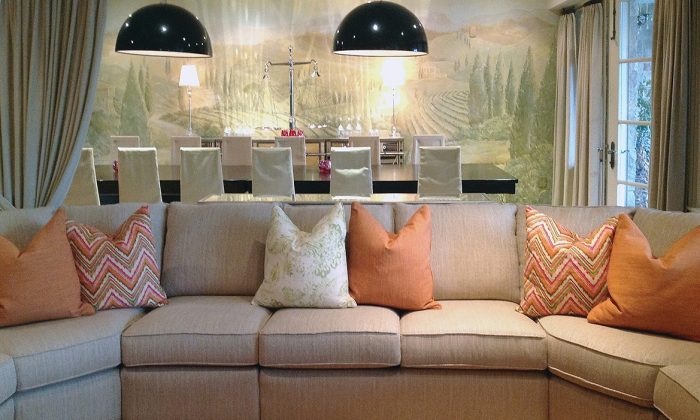 Christina Marzilli's living room with a Decor-Rest 7760 sectional sofa. (Decor-Rest Furniture)