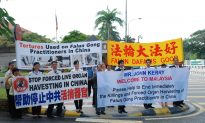 Malaysian Falun Gong Practitioners Have Message for John Kerry