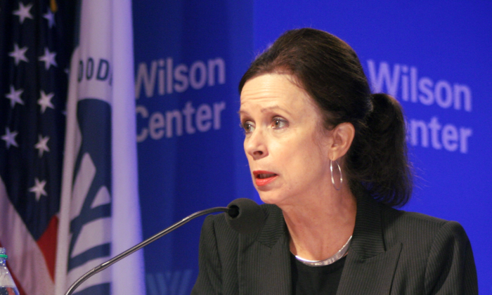 Robin Wright, journalist, author, and foreign policy analyst, spoke at the Wilson Center, Oct. 2, on the new president of Iran, Hassan Rouhani's peace initiative. Wright's most recent book is Rock the Casbah: Rage and Rebellion across the Islamic World. (Gary Feuerberg/The Epoch Times)