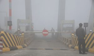 Highways Shut Down and Flights Delayed as Smog in China Reaches Hazardous Levels