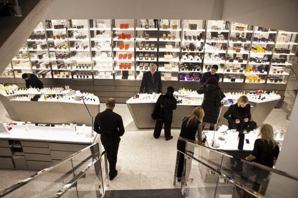 Barneys retail store in East Midtown Manhattan, New York, Nov. 20, 2013. (Samira Bouaou/Epoch Times)