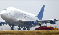 Boeing Dreamlifter Successfully Takes Off After Mistaken Landing