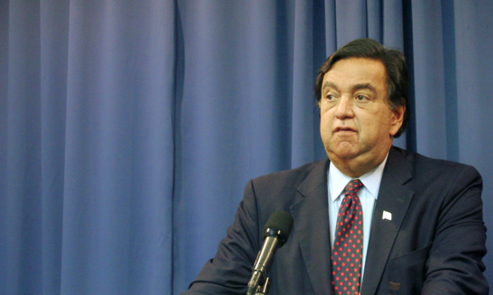 Bill Richardson, former governor of the state of New Mexico and founder of Richardson Center for Global Engagement, at the National Press Club, Oct. 31. (Gary Feuerberg/ Epoch Times)