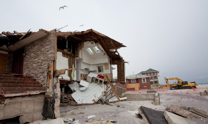 Homes destroyed by Hurricane Sandy in the Rockaways, Queens, on Jan. 21, 2013. (Samira Bouaou/Epoch Times)