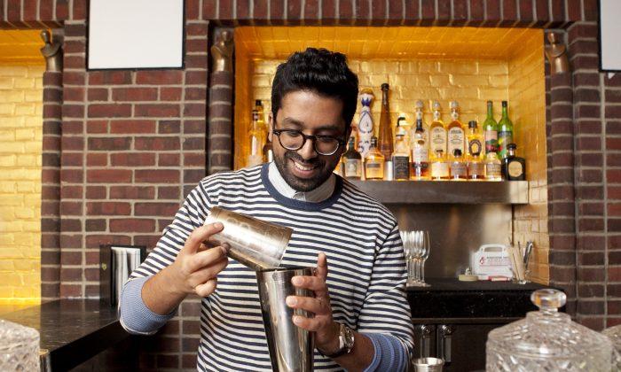 "Bartender Ryan ""Mr. Lyan"" Chetiyawardana (Samira Bouaou/Epoch Times)"