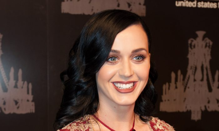 Singer Katy Perry arrives at the 9th Annual UNICEF Snowflake Ball in New York City, Dec. 3, 2013. (Petr Svab/Epoch Times)