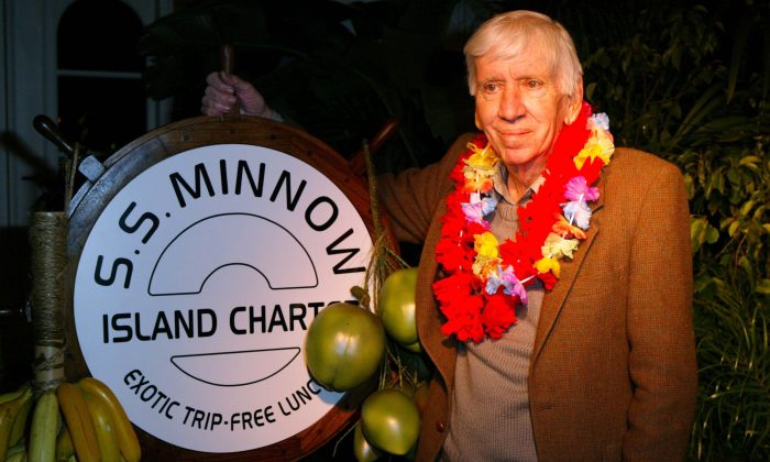 """Actor Bob Denver poses during the """"Gilligan's Island: The Complete First Season"""" DVD launch party on February 3, 2004 in Marina Del Rey, California. (Photo by Frazer Harrison/Getty Images)"""