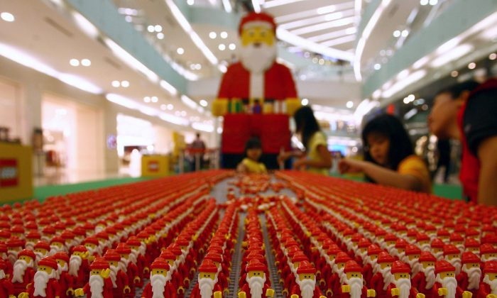 Santa Claus lego on December 18, 2013. (JUNI KRISWANTO/AFP/Getty Images)