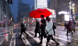New York Winter Weather Forecast: Snow Hits Manhattan, Other Boroughs