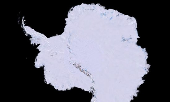 Australia Must Keep 'Eyes Wide Open' on China's Antarctic Claim