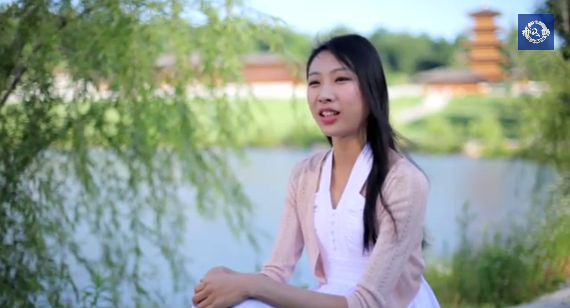 A screenshot of Chelsea Cai's interview on Youtube.