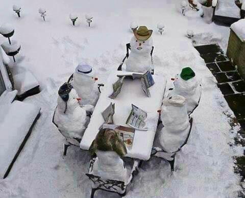 Snowmen enjoy a rare gathering in Jerusalem. (C. Drukier/Epoch Times)