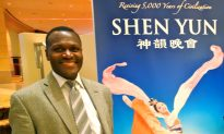Atlanta Fan Comes Every Year for Shen Yun Perfection