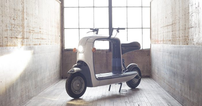Kubo, an electric scooter with a 22-inch square storage space. (Courtesy of Lit Motors)