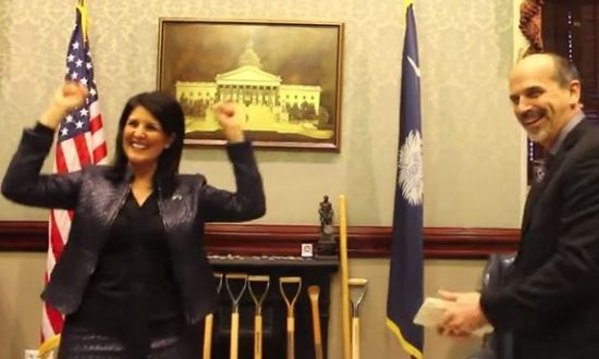 Nikki Haley Breaks Board with Bare Hand (+Video)