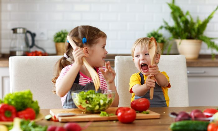 Foods high in fiber, like vegetables, can feed the beneficial microbes living in our gut that affect our mood. (Shutterstock)