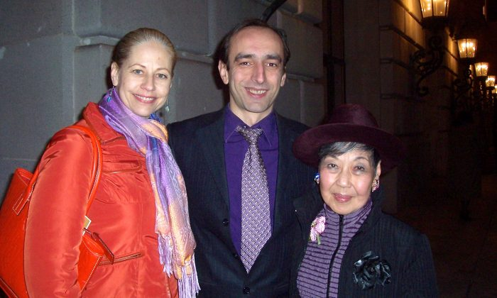 Choreographer Giorgi Ksovreli (C), dancer Pollyanna Malorni (L), and Nancy Francis were highly impressed with the level of skill Shen Yun Performing Arts displayed at the San Francisco War Memorial Opera House on Jan. 10. (Catherine Yang/Epoch Times)