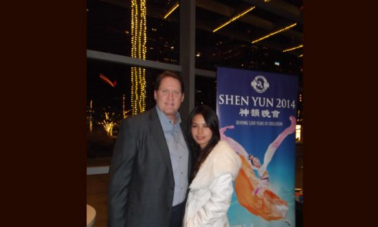 Business Owner Enlightened by History Shown in Shen Yun