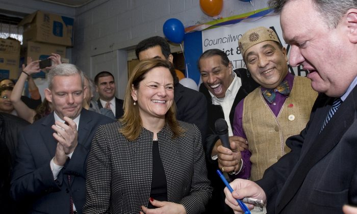 Council Member Melissa Mark-Viverito holds a swearing-in ceremony for her Council seat at the NYCHA Community Center in Millbrook Houses in the Bronx, New York, Dec. 30, 2013. (William Alatriste/NYC Council)