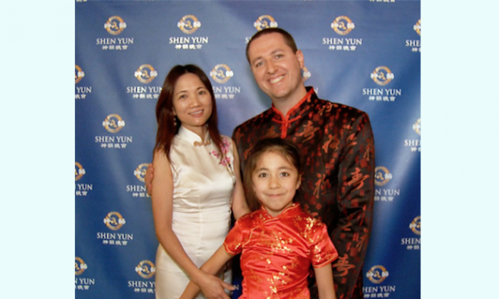 Xue Mei, originally from Mainland China, brought her husband and daughter to attend Shen Yun Performing Arts International Company's performance at the War Memorial Opera House on Jan. 12. (Epoch Times)