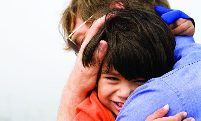 A recent study by Washington University School of Medicine found that nurturing helps children's brains develop healthily. (Jaren Wicklund/photos.com)