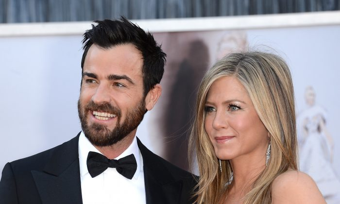 Actors Justin Theroux and Jennifer Aniston arrive at the Oscars at Hollywood & Highland Center on February 24, 2013 in Hollywood, California. (Jason Merritt/Getty Images)