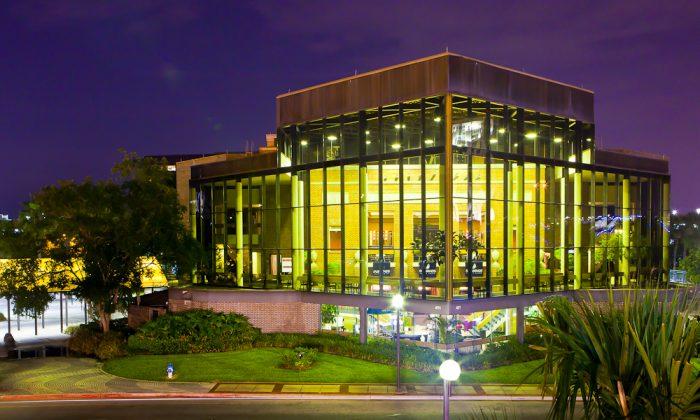 Bob Carr Performing Arts Centre (Mark Zou/Epoch Times)