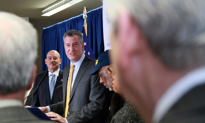 Mayor Bill de Blasio announces the support of major labor unions for his universal prekindergarten plan, at the Union Johnson Early Learning Center in the Harlem neighborhood of New York on Jan. 6, 2014. (Ivan Pentchoukov/Epoch Times)