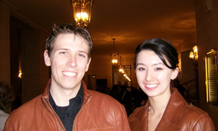 Zachary Simons and Alyssa Engel enjoy Shen Yun Performing Arts at the War Memorial Opera House in San Francisco, Jan. 11. (Lily Yu/Epoch Times)
