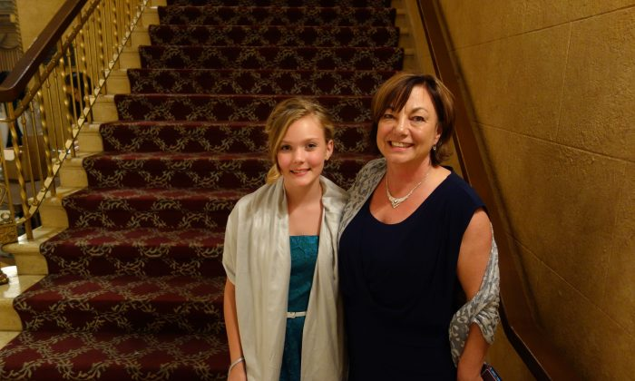 Young musician Heidi with her grandmother Michelle Baker at Shen Yun at Tivoli Theatre in Chattanooga, Tenn. Jan. 14, 2014. (Mary Silver/Epoch times)