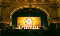 Former AOL Executives Delighted by Shen Yun, Asking, 'Why can't this be shown In China?'