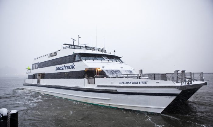 The Rockaway Ferry at Pier 11 in Lower Manhattan, New York, on Jan. 21, 2014. (Samira Bouaou/Epoch Times)
