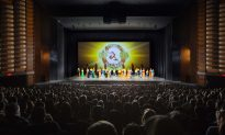 Director and Model Find Beauty in Shen Yun