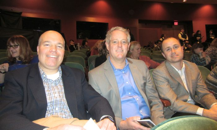 Three Friends Enjoy Shen Yun, a Night of Chinese Culture
