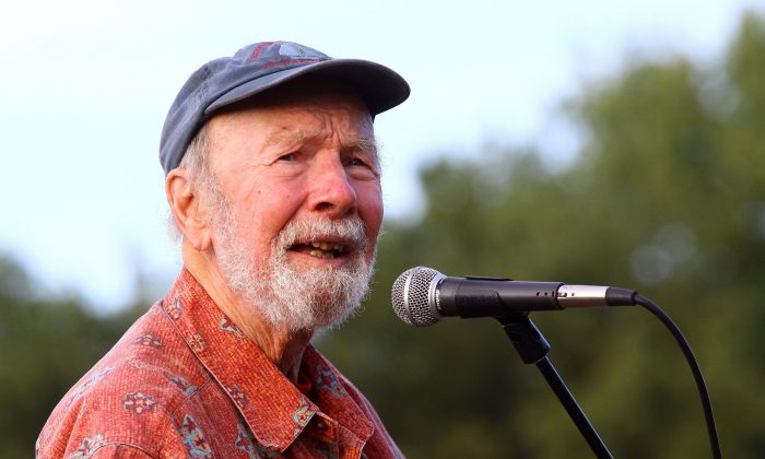 Pete Seeger, in a 2009 file photo, has died at age 94. (Astrid Stawiarz/Getty Images)