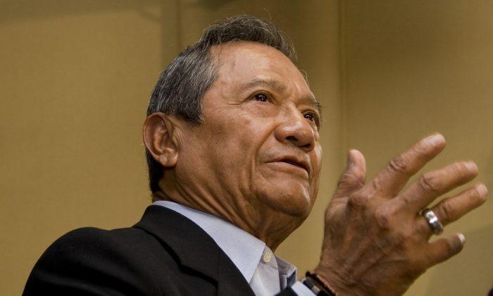 Armando Manzanero in a 2008 file photo. (AP Photo/ Denisse Pohls)