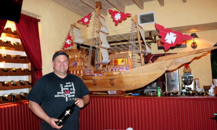 Bayside Grille owner Robert DiGiorgio. Bayside Grille and Cafe Largo are two separate restaurants in separate buildings on the same property in Key Largo, Florida. Bayside Grille overlooks the bay with a dock for boaters. (Myriam Moran copyright 2014)