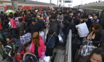 Tickets a Nightmare for Chinese Going Home for New Year