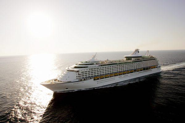 British performer falls off ship