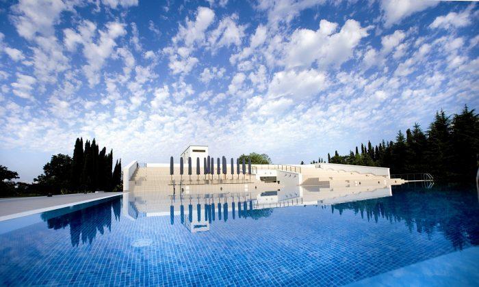 A lavish icon of neo-classical design, Grand Hotel & Spa Rodina is a unique bit of unexpected Russian luxury.   Grand Hotel & Spa Rodina