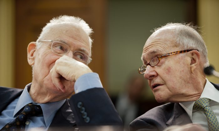 Former Rep. Lee Hamilton (D-Ind.) and retired Air Force Lt. Gen. Brent Scowcroft, co-chairmen of the Blue Ribbon Commission on America's Nuclear Future, in Washington, D.C., on Feb. 1, 2012. (Pete Marovich/Getty Images)