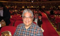Shen Yun 'Perfectly Flawless' for Behavioral Sciences Educator